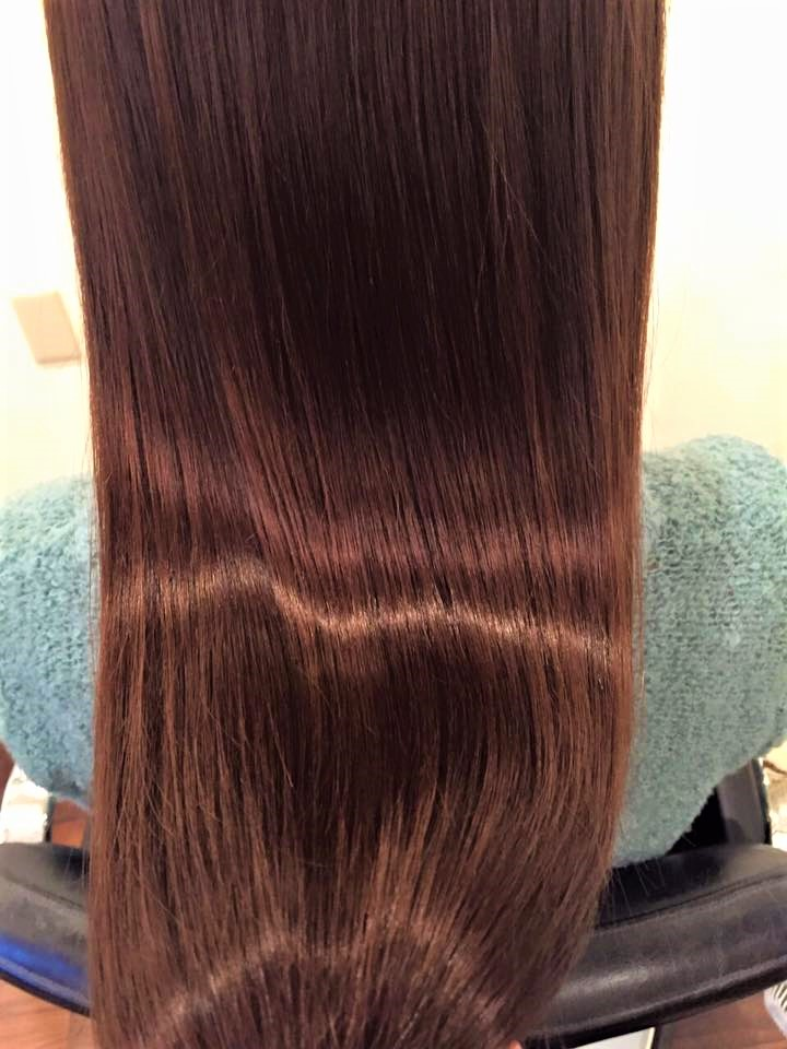 女性の艶髪